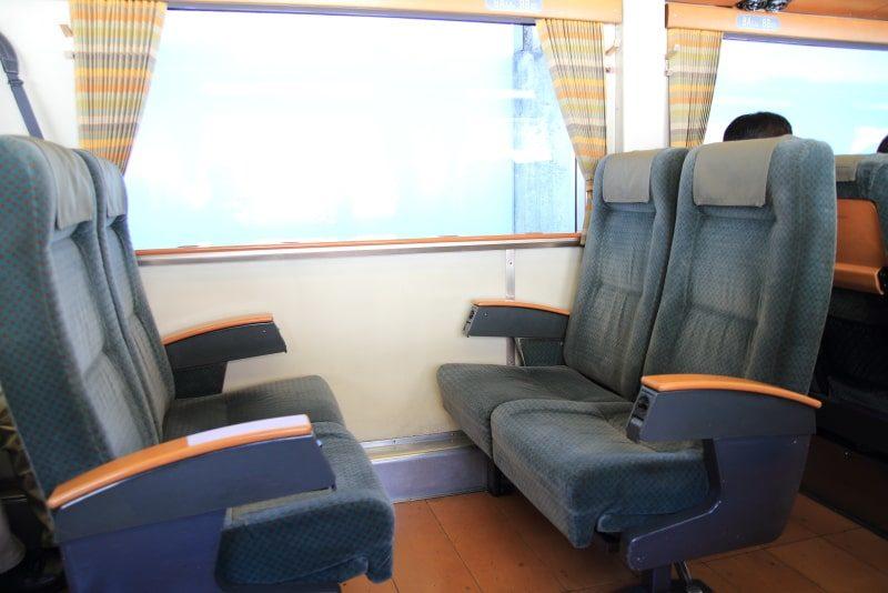 キハ185系座席